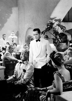 "Humphrey Bogart, Ingrid Bergman & Dooley Wilson ""Sam"" in Rick's Café "" Casablanca "" 1942 Old Hollywood Movies, Hollywood Actor, Golden Age Of Hollywood, Hollywood Stars, Classic Hollywood, Vintage Hollywood, Casablanca Movie, Casablanca 1942, Old Movies"