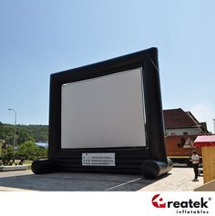 Výroba nafukovacích promítacích obrazovek a pláten, český výrobce REATEK