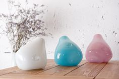 Three musketeers in pastels! Perfect for any interior. Simple and nice add to your living room, but is also brilliant idea as housewarming gift. Glass vases in pastels colours. Products codes: AGL0280, AGL0281, AGL0282.