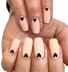 simple easy black heart nail art design Elegant Nail Designs, Simple Nail Art Designs, Cute Designs, Nail Art Diy, Diy Nails, Short Nails, Long Nails, Nail Art For Beginners, Heart Nail Art
