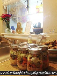 Blog post on how to make salad in a jar. #healthy #salad #masonjar #food #foodprep