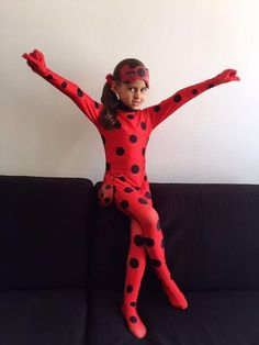 bruna lady bug Festa Lady Bag, Miraculous Ladybug Costume, Lady Bob, Ladybug Cakes, Wonder Woman Birthday, Elsa Birthday, Disney Princess Dresses, Girl Themes, Bday Girl