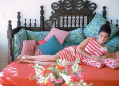 A look at the colourful life and designs of Lilly McKim Pulitzer Rousseau and her brand, Lilly Pulitzer Inc, including fashion, kidswear and homewares. Lilly Pulitzer, Slim Aarons, Deco Boheme, Town And Country, My Dream Home, Decoration, Palm Beach, Pink And Green, Love Seat