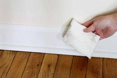 File this under: life hacks. Spring is here, or at least for some of us, and that means lots of cleaning. We've rounded up ten more easy life hacks that aim … Household Cleaning Tips, Deep Cleaning Tips, Toilet Cleaning, House Cleaning Tips, Cleaning Solutions, Spring Cleaning, Cleaning Hacks, Diy Hacks, Wall Cleaning