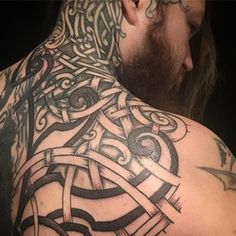 Some more progress on my back by the mighty @villkat.arts. I can't wait to have my coverup finished after two years! If you don't already follow @villkat.arts then check him out. He is a knotwork master and a good friend of mine. #viking #vikingtattoo #nordic #nordictattoo #dotwork #dotworktattoo #coverup #coveruptattoo #tattoo #norse
