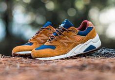 The New Balance MT580 drops in a new colorway this fall that pays homage to its off-road trail running roots, featuring a premium look in an outdoors-inspired brown suede upper with navy canvas paneling, leather detailing, and a dark red … Continue reading →
