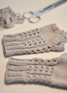 f288242d9efa Les mitaines en laine – Julypouce tricote Tricot Headband, Tutos Tricot,  Tricot Femme,