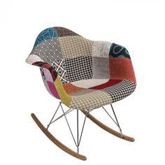 Organikus, formázott ülés, az íves fa lábak igazán vonzzák a tekinteteket! A P018 RAR hintaszékeket elsősorban azoknak ajánljuk, akik szeretik a merész színeket és egyedi megoldásokat. Innovatív belső és klasszikus terekbe tökéletesen beleillik. Cheap Bedroom Ideas, Rocking Chair, Bassinet, Fa, Furniture, Home Decor, Scrappy Quilts, Chair Swing, Crib
