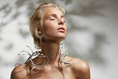 3_Silver Wind neckpiece_KUO