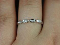 Ember Platinum Infinity DNA Twist Diamonds HALFWAY par RosadosBox Mon anneau PRÉFÉRÉ!!! :)