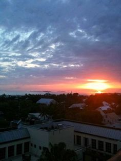 Sunset from the top of La Concha, Key West. Always a favorite vantage point. Stuff To Do, Things To Do, Key West Wedding, Florida Keys, Where To Go, New England, Places Ive Been, Wedding Reception, Wedding Venues