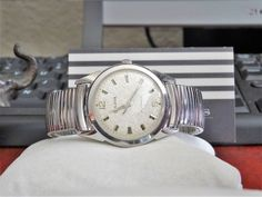 Vtg 1967 Bulova Automatic Waterproof Swiss Men's Watch w/ Stainless Steel Band! Bulova Watches, Stainless Steel Case, Omega Watch, Bracelet Watch, Watches For Men, Jewelry Watches, Band, Accessories, Top Mens Watches