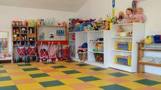 Tener una escuela infantil o guardería bien equipada es esencial. Mientras más completa sea, más podrán los peques experimentar y aprender