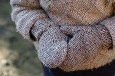 Ravelry: Impromptues (les moufles) pattern by Solenn Couix-Loarer