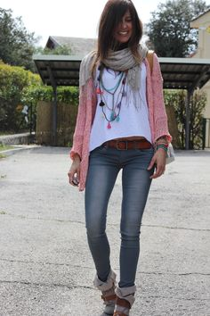 Like the sweater, scarf, necklace combo