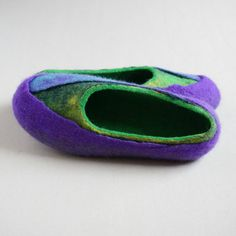 Women felted slippers, felt slippers, women home shoes  -  Perfect gift for women! - pinned by pin4etsy.com