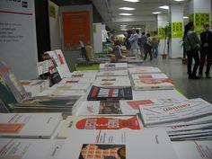 http://arealibro.com/blog/2013/05/09/i-sondaggi-del-lunedi-di-stampalibri-31/  Fiere dell'editoria sì o no? La parola a voi!