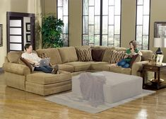 Portrait of U Shaped Sectional with Chaise Design