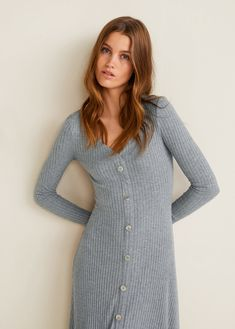 Discover the latest trends in Mango fashion, footwear and accessories. Shop the best outfits for this season at our online store. Vestidos Vintage, Vintage Dresses, Moda Mango, Fiesta Outfit, Robes Midi, Cable Knit Jumper, Autumn Fashion 2018, Flare, Tea Length