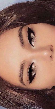 Eyeliner for blue eyes - Make Up Tips & How . - Eyeliner for blue eyes up – Make Up Tips & How … - Day Makeup, Makeup Goals, Makeup Inspo, Beauty Makeup, Witch Makeup, Blue Makeup, Makeup Kit, Jewel Makeup, Barbie Makeup