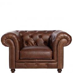OLD EGNGLAND - Кресло кожаное  Роскошное кожаное кресло с изогнутыми подлокотниками от Butlers создан в лучших британских традициях. В окружении стен обтянутых тканью, кресел в викторианском стиле и винтажных бра, диван прекрасно впишется в интерьер рабочего кабинета настоящего джентль Размеры: 131 х 96 х 76 см, высота сиденья 47 см, глубина сидения 59 см 18000-00