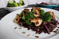 IMG_3349 Broccoli, Menu, Vegetables, Food, Dark Eye Circles, Menu Board Design, Vegetable Recipes, Eten, Veggie Food