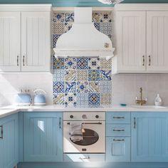 Blue Backsplash Ideas ( Navy, Aqua, Royal or Coastal ) Blue Design Kitchen Room Design, Modern Kitchen Design, Home Decor Kitchen, Interior Design Kitchen, Home Kitchens, Kitchen Ideas, Kitchen Mats, Country Kitchen, Blue Tile Backsplash Kitchen