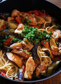 Spaghetti con Pollo e Vegetali / Pasta