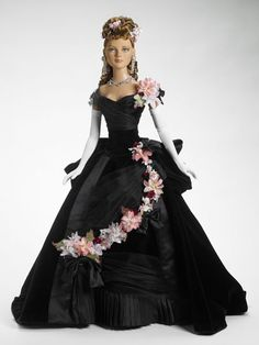 "Anna Karenina, American Model 22"", Tonner, dressed doll. I'd love this gown but it's very unlikely."