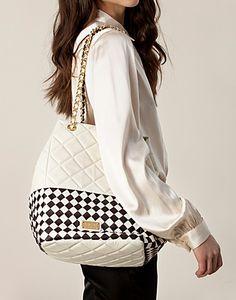 Abby Bag - Moschino Cheap & Chic - Hvit/brun - Vesker - High-end - NELLY.COM Moschino, Chic, Bags, Fashion, Shabby Chic, Handbags, Moda, Elegant, Fashion Styles