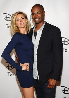 These two are my favorite tv married couple right now. Happy Endings Watch it!