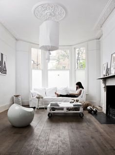 The home of Karine Kong For more ideas on ceiling roses with Orac Decor, take a look at www. Wooden Floors Living Room, Living Room Interior, Home Living Room, Living Room Designs, Living Spaces, Dark Wooden Floor, Deco Design, Interior Inspiration, House Design