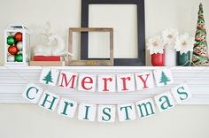Merry Christmas garland banner - perfect for Christmas mantle decorating Christmas Photo Props, Merry Christmas Banner, Family Christmas Cards, Outdoor Christmas Decorations, Rustic Christmas, Christmas Photos, Christmas Diy, Outdoor Decor, Halloween Banner