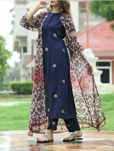 Beautiful Georgette-Silk printed jacket with silk kurti, embellished with butis. Salwar Designs, Simple Kurti Designs, Saree Blouse Designs, Pakistani Dresses Casual, Pakistani Dress Design, Indian Dresses, Indian Outfits, Designer Salwar Kameez, Stylish Dresses