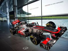 McLaren apresenta seu novo carro, o MP4-28