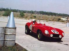 Jim Kimberly and Alfonso de Portago drove this works Ferrari 857 S at Sebring Sports Car Racing, Road Racing, Auto Racing, Nascar, Vintage Race Car, Vintage Auto, Car Fails, Classic Race Cars, Classic Auto