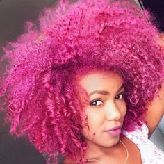 The history of Afro hairstyles is beyond our memory. It is thought that the Afro hairstyles are one Pelo Natural, Natural Hair Tips, Natural Hair Styles, Natural Curls, Afro Hairstyles, Trendy Hairstyles, Headband Hairstyles, Blonde Babys, Rosa Highlights