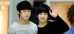 meanie couple <<< Mingyu looks so awkward I can't Mingyu Wonwoo, Seungkwan, Hoshi, Kim Min Gyu, Mingyu Seventeen, Kpop Couples, Meanie, Bts Suga, Wattpad