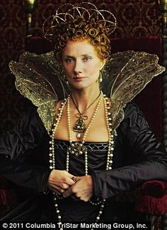 Like the collar on this one. Elizabethan meets fairy!