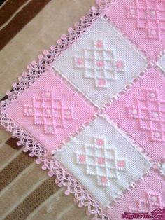 Diy Crafts - Crochet,crochetmodels-Knitting Baby Blanket Patterns Baby's skin is very sensitive. Baby skin is thin and weak. Handmade Baby Blankets, Knitted Baby Blankets, Baby Blanket Crochet, Crochet Baby, Diy Crafts Knitting, Diy Crafts Crochet, Crochet Projects, Afghan Crochet Patterns, Baby Knitting Patterns
