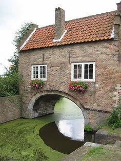 Delft, the Netherlands...love Delft! - #Delft #travel #holland