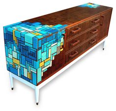 Margate-based designer Zoe Murphy is a marvel when it comes to updating mid-century furniture with her modern aesthetic. She has appeared at Midcentury Modern www.modernshows.com many times.