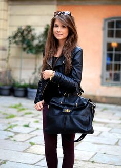 79 Love all black looks. Fall Outfits, Cute Outfits, Work Outfits, Look Fashion, Womens Fashion, Street Fashion, Fashion News, Fashion Models, Fashion Shoes