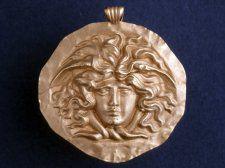 the ORIGINAL art nouveau...2000 yrs earlier! Pendant, gold, 100s, Roman, depicts Medusa.