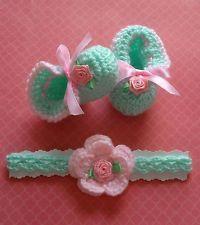 Crochet Handmade Baby Girl Booties and Headband (newborn -3 months)
