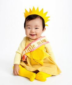 She's a little ray of sunshine...and has the perfect get-up #sunny #picaday #totsbots