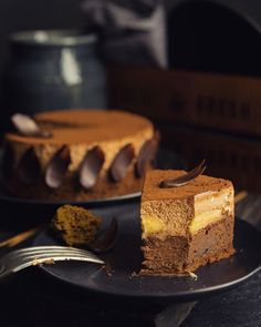 Brownie Pie with Bananas and Chocolate Mousse – A … – Travel World Easy Cake Recipes, Sweet Recipes, Dessert Recipes, Chocolate Mousse Cake, Chocolate Desserts, Gourmet Desserts, Delicious Desserts, Pastry Recipes, Baking Recipes