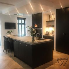 Kitchen Interior, Home Interior Design, Kitchen Decor, Grey Kitchens, Home Kitchens, Asian Interior, Küchen Design, Beautiful Kitchens, Home Living Room