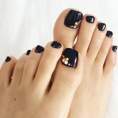 New Gel Pedicure Black Nail Art Designs Ideas Black Toe Nails, Pretty Toe Nails, Cute Toe Nails, Diy Nails, Toe Nail Color, Toe Nail Art, Pedicure Nail Art, Black Pedicure, Colorful Nails