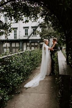 Downtown Savannah, Savannah Chat, Elopements, Weddings, Wedding Dresses, World, Summer, Photography, Bride Dresses